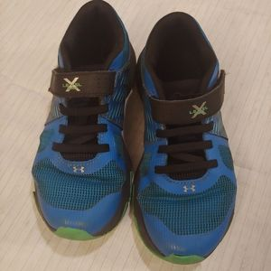 Under Armour boys velcro sneakers size 13K